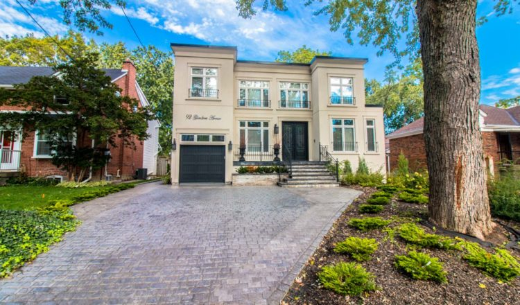 Art deco-inspired home boasts vibrant location: Home of the Week – Toronto Star
