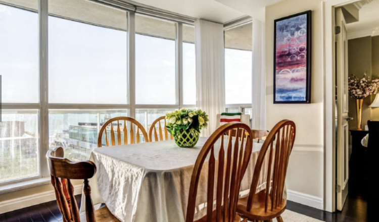 Harbourfront condo is love at first sight of the lake: Home of the Week – Toronto Star