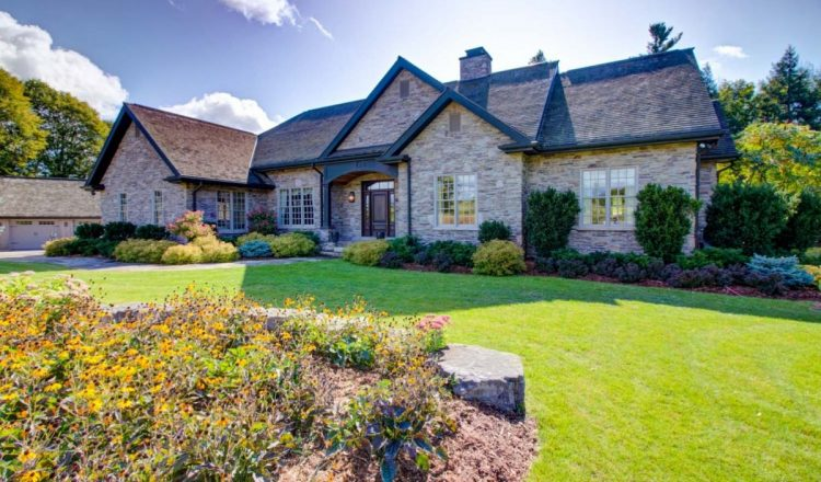 Nobleton executive bungalow is a 45-minute drive from Toronto: Home of the Week